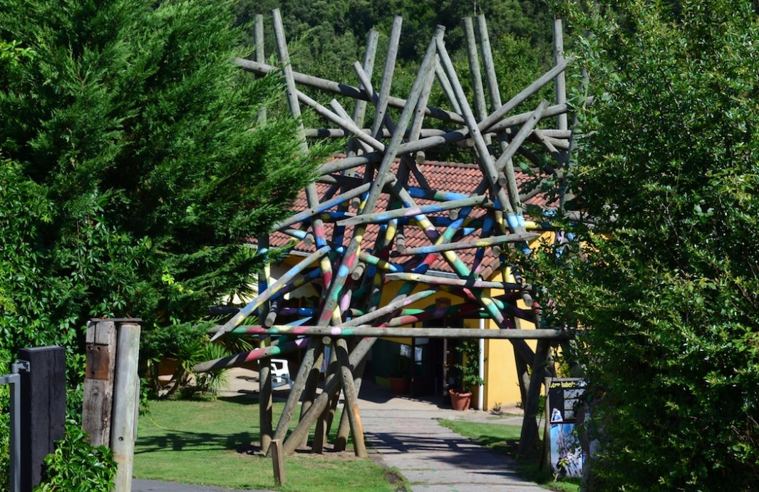 Vista de la entrada a Basondo